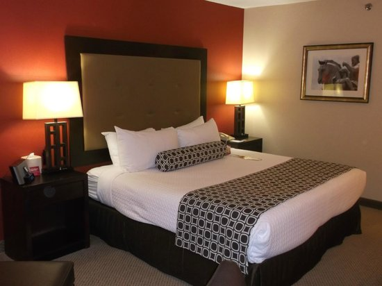 Crowne Plaza Tysons Corner: bed