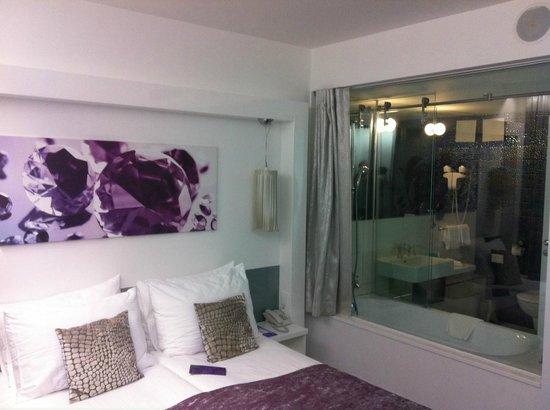 Hotel Luxe: Room in 2 nd floor!