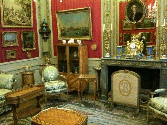 Musée Nissim de Camondo : Moïse Camondo's cabinet