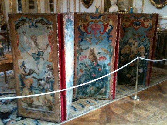 Musée Nissim de Camondo : XVIIIth Century needlepoint screens