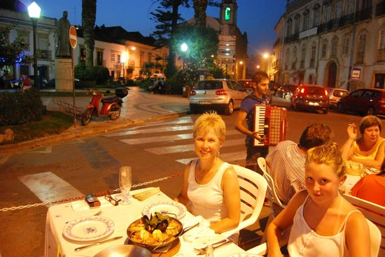 Restaurante Ponto de Encontro: A beautiful meal in the Old Square in Tavira