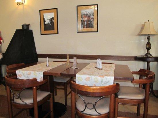 La Posada Restaurante: Salón