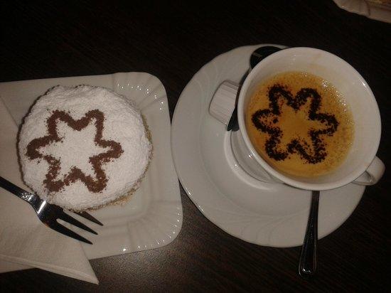 Peche Mignon : Un délicieux brie au kirsch accompagné d'un bon café, hummm...