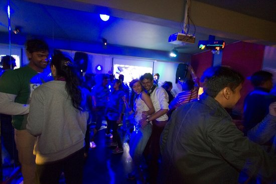 Honeymoon Inn Manali : Dance and enjoy Manali