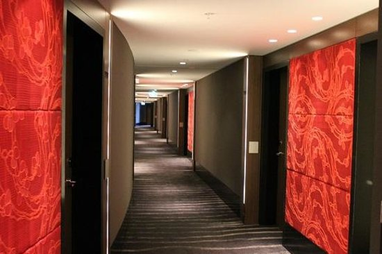 The Darling : Hotel corridor
