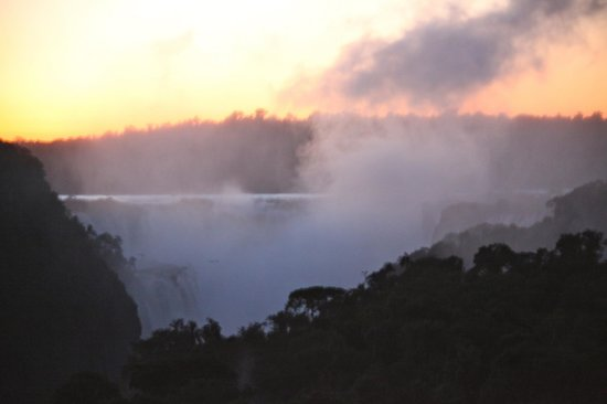 Sheraton Iguazú Resort & Spa: Sunrise at Iguazu Falls seen at Sheraton Iguazu Resort & Spa