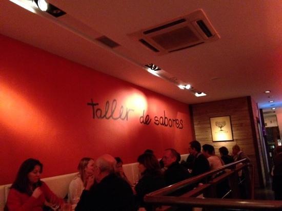Casa 9 Restaurante : la salle à manger où l'on est tous alignés...