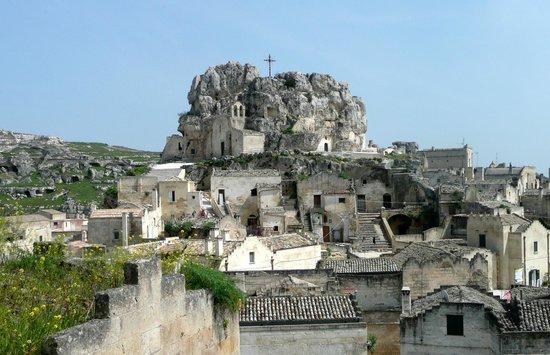 Il Cortile: Vista Madonna dell'Idris