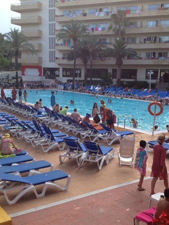 Jaime I Hotel : poolside