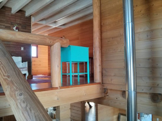 Donde German Hostel: Careful, no railing, just a 3m drop