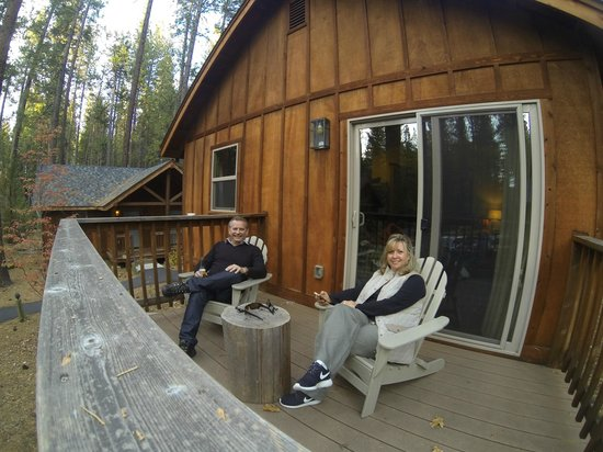 Evergreen Lodge at Yosemite: Sitting on the deck