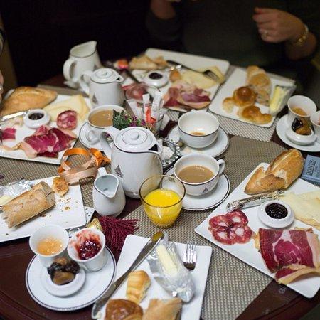 Hotel des Grands Hommes : Amazing breakfast in the cellar