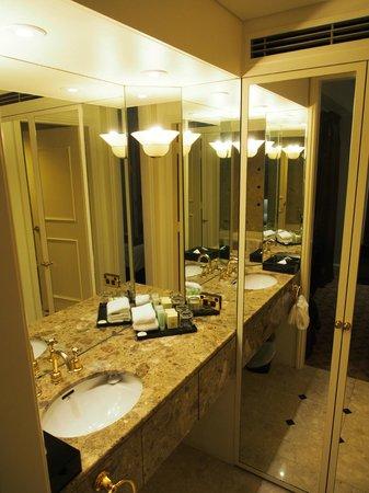 Stamford Plaza Melbourne: Bathroom