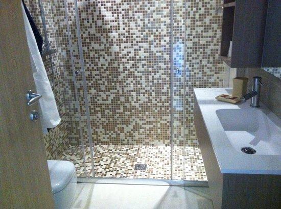 Hotel al Cigno: Bagno della camera deluxe