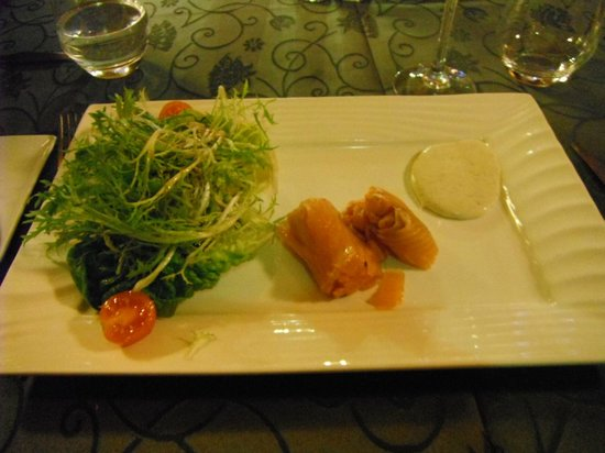 casino- le llat : salmon roll