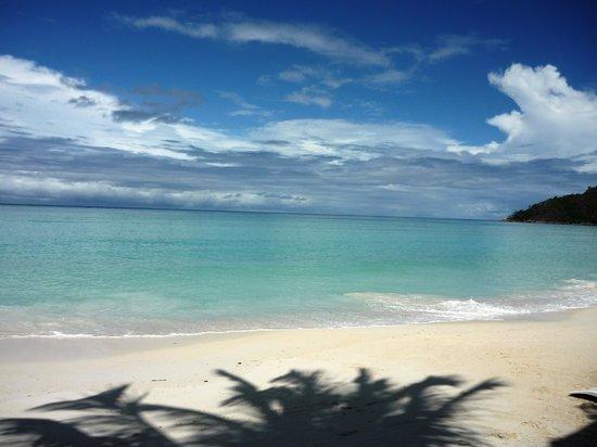 Berjaya Praslin Resort - Seychelles : beach