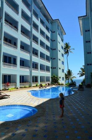 Cowrie Shell Beach Apartments Mombasa Kenya