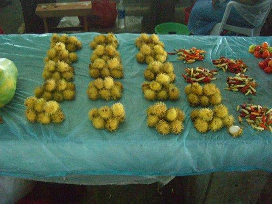 Honiara Central Market: フルーツ
