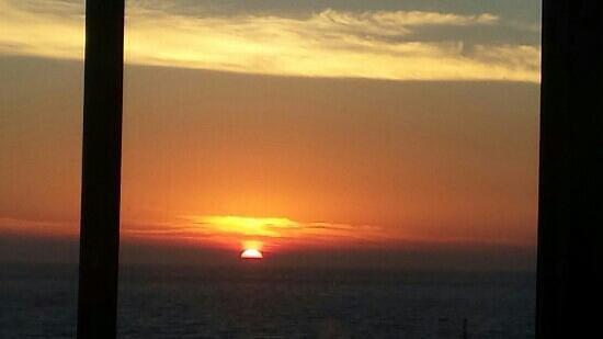 Lighthouse Restaurant: sunset - great view