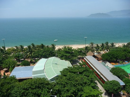 Majestic Nha Trang Hotel : Вид с номера на море
