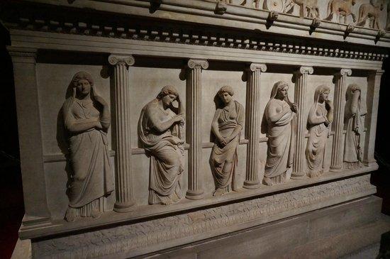 Museo de Arqueología de Estambul: the sad lady sarcophagus