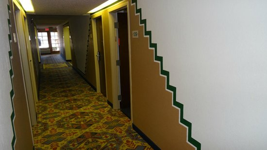 Holiday Inn Canyon de Chelly : the ground floor corridor