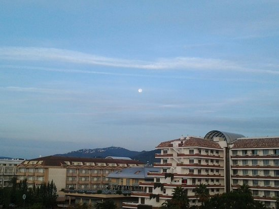Thalassa Apartments : Early morning view..
