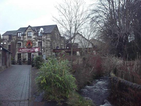 The Old Mill Inn : Outside