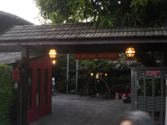 Riverside Guest House: entrée de la guest house