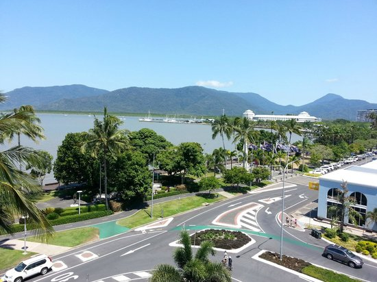 DoubleTree by Hilton Hotel Cairns: Day view - much better!!!