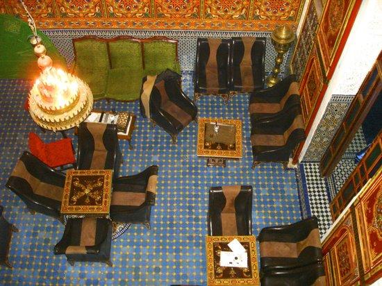 Riad Nassim: Vista dalla camera sulla Hall...