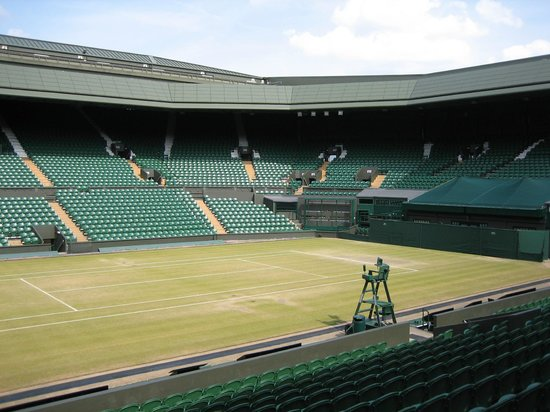 Wimbledon Lawn Tennis Museum: Centre Court 7 days after Andy Murray's win...