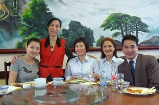 Chang Cheng : Haben Sie etwas zu feiern mit Ihren Freunden?