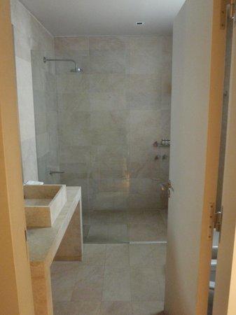Posada Salentein: Bathroom (Sauvignon Blanc)