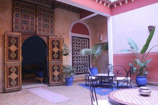 Riad Naya : the patio