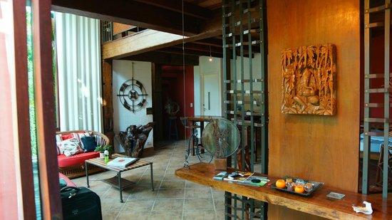 Utropico Guest House: Inside the Loft