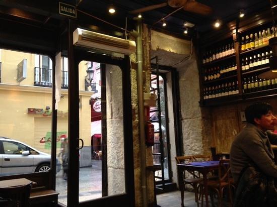 Alhambra: bar