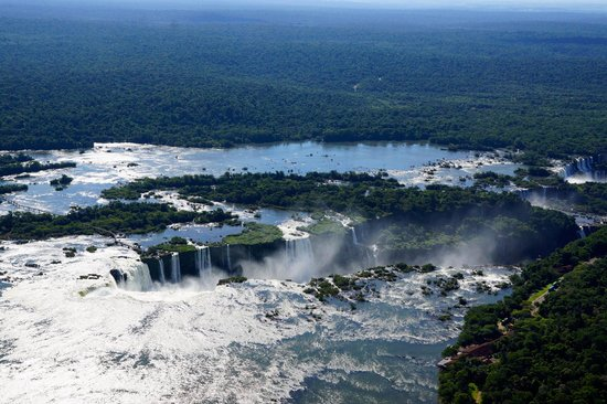 Belmond Hotel das Cataratas: Aerial view of U-shaped Iguazu Falls