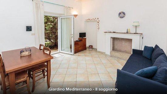 Il soggiorno - Picture of Resort Cava Francese, La Maddalena ...