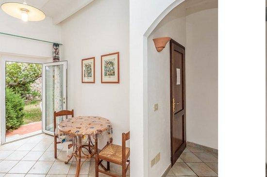 Resort Cava Francese: La cucina sul giardino