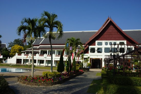 Wiang Indra Riverside Resort: Hotel