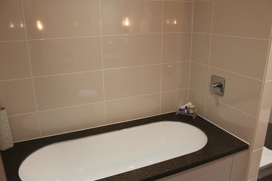 Macdonald Windsor Hotel : Very Clean Bathroom
