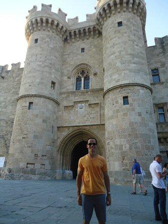 Hotel Mediterranean: Palácio do Grão Mestre na cidade medieval