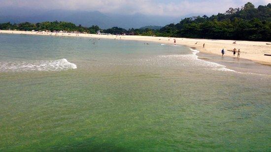 São Sebastião, SP: A única praia do Litoral Norte que tem uma praia de areia fofa e branca ente o Rio e o Mar !!!