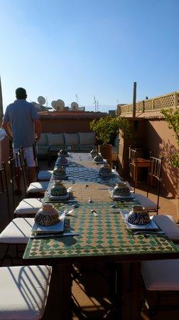 Riad Djebel: petits déjeuners sur la terrasse