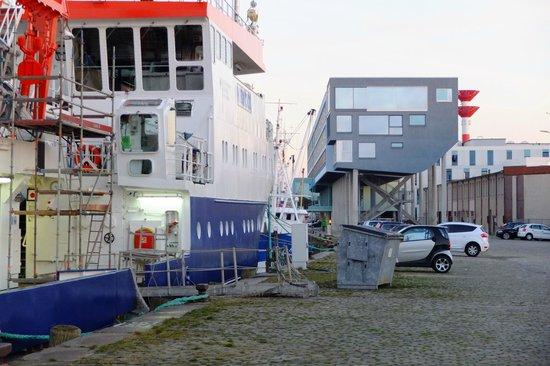 Best Western Plus Hotel Bremerhaven: Blick auf Hotel von Westen