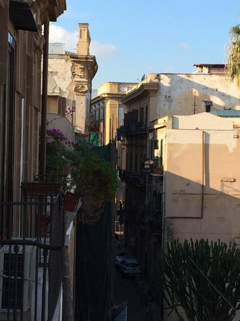 La via delle biciclette: The view from the balcony