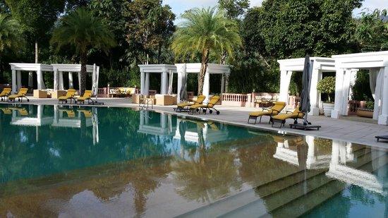 The Chateau Spa & Organic Wellness Resort: swimming pool