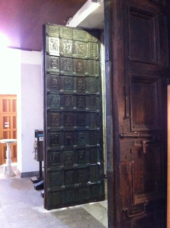 Duomo di Ravello : Cattedrale di Ravello, antiche porte in bronzo