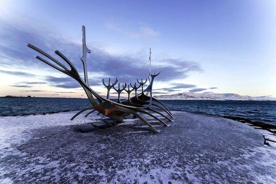 Solfar (Sun Voyager) Sculpture : Solfar in winter